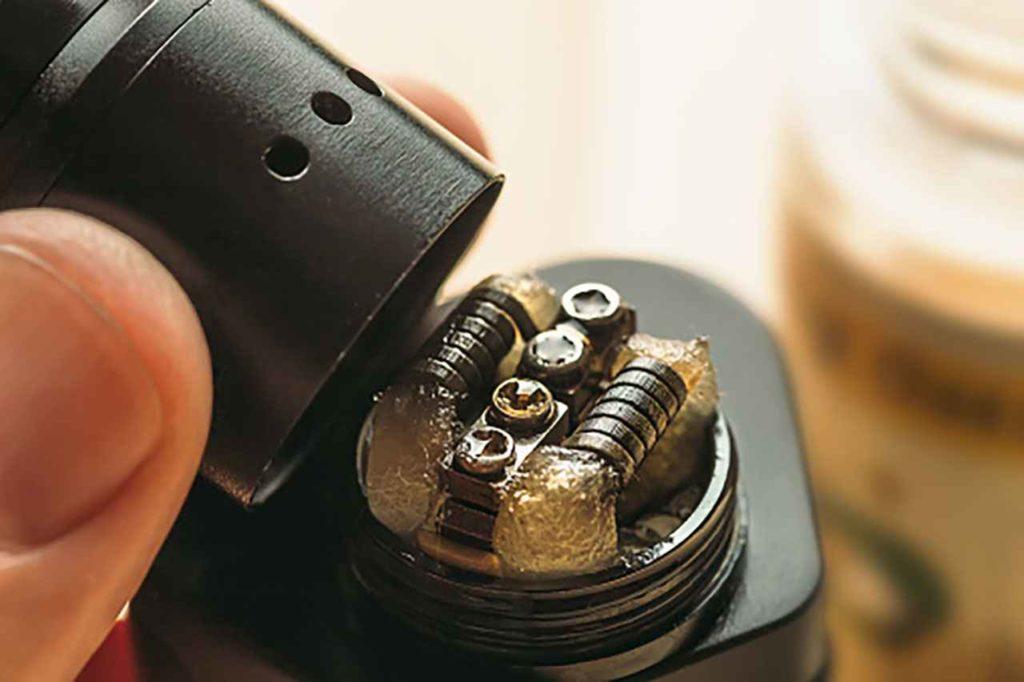 amorcer le coil de sa e-cigarette